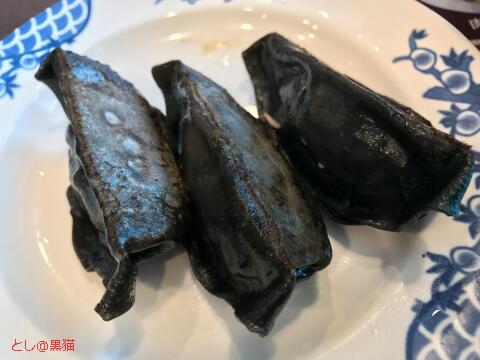 焦がし海老ガツンと香る 黒醤油ラーメン と 黒餃子