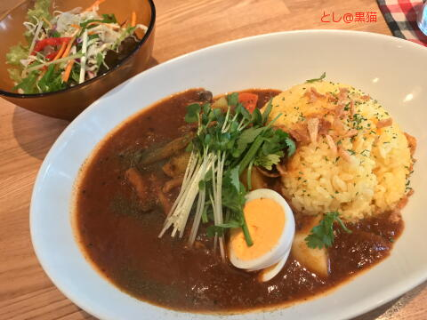 querog and curry - Spicy beef curry of lunch menu