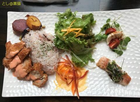 西伊豆町の食材にこだわったランチプレート