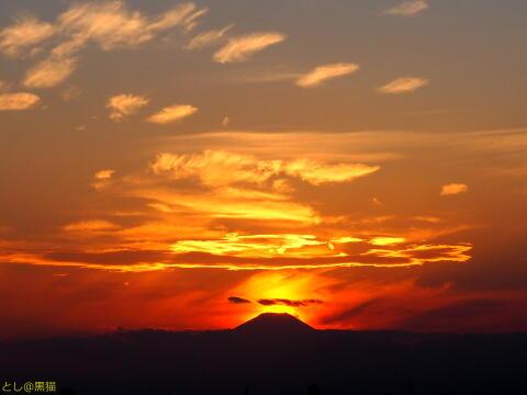 夕焼けが富士山と重なってきれぃだったょ